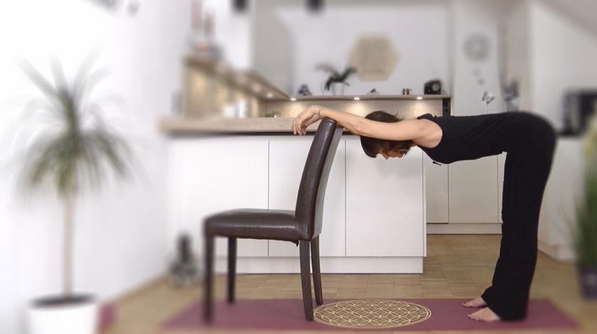 LYN YOGA Video für entspannte Schultern und entspanntem Nacken GRATIS online